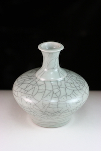 Vase with crazed glaze